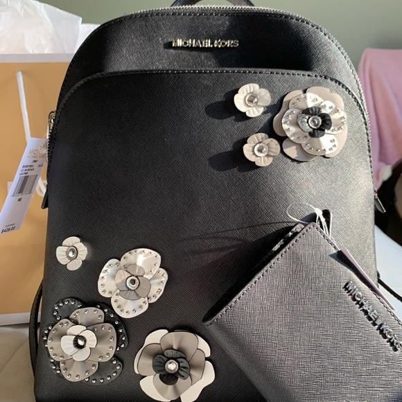 Michael Kors Handbags - Michael Kors backapck